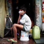 حالات الإصابة اليومية بكورونا في الهند تقترب من 20 ألفا.. ومومباي تشدد القيود