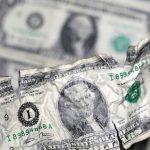 ارتفاع أسعار النفط بفعل تراجع الدولار