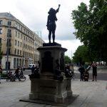تمثال لمتظاهرة سوداء يحل محل تمثال تاجر عبيد في إنجلترا