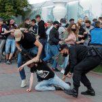 روسيا البيضاء تعتقل 250 محتجا بعد منع منافسين للوكاشينكو من الترشح