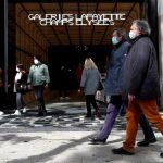 ارتفاع إصابات كورونا في فرنسا مع انطلاق حملة التطعيم