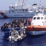 إيطاليا تنقذ نحو 100 مهاجر قبالة سواحل ليبيا