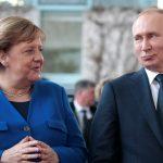 ميركل تبحث مع بوتين الوضع في ليبيا وإيران وأوكرانيا