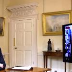 جونسون يجيب عن أسئلة البريطانيين حول كورونا