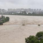 الفيضانات تدمر جسرا تاريخيا في الصين.. عمره أكثر من 480 عاما