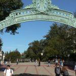 كاليفورنيا تطعن في قرار سحب تأشيرات دخول الطلاب الأجانب
