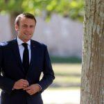 الرئيس الفرنسي يلتقي رئيس وزراء اليابان خلال زيارته طوكيو