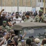 المتمردون في مالي يتعهدون بتشكيل حكومة مدنية