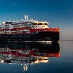 إصابة 33 فرداً من طاقم سفينة سياحية نرويجية بفيروس كورونا