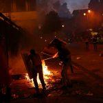 محللون وخبراء: هدوء لبنان مرهون برحيل السلطة