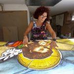 فنانة زجاج ملون تتحسر على خسائر انفجار بيروت