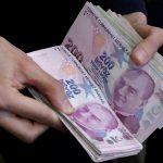 الليرة التركية تقترب من محو مكاسبها منذ بداية العام