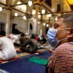 مصر تشدد على ضرورة التزام المساجد بإجراءات كورونا