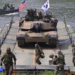 أمريكا وكوريا الجنوبية تقلصان تدريبات عسكرية بسبب جائحة كورونا