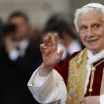 بابا الفاتيكان السابق مريض بشدة بعد عودته من زيارة لألمانيا