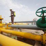 محتجون عراقيون يغلقون مصفاة الناصرية النفطية