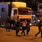 شرطة بيلاروس تعلن توقيف ألف شخص إضافي وإطلاق الرصاص الحي على متظاهرين