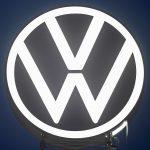 فولكسفاجن تقدم لمالكي سيارتها الكهربائية شحنا مجانيا لـ3 سنوات