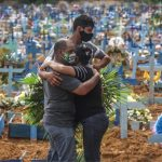 العالم يسجل أكثر من 1.3 مليون وفاة بكورونا