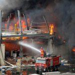 العقوبات الأمريكية أم الإهمال.. ما السبب وراء حريق مرفأ بيروت؟