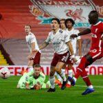 ليفربول يفوز على آرسنال بثلاثية في الدوري الانجليزي