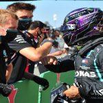 هاميلتون يحقق أسرع لفة في تاريخ فورمولا 1