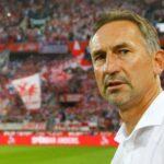 ماينز الألماني يقيل المدرب أخيم بايرلورتسر لسوء النتائج