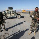 الجيش الأفغاني يغير استراتيجية الحرب للحد من الخسائر مع تقدم طالبان