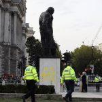 تشويه تمثال تشرشل في لندن للمرة الثانية في أربعة أشهر