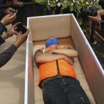 بينها «الموت ومعايشة الأشباح».. عقوبات مرعبة لمخالفي احترازات كورونا في إندونيسيا