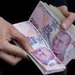 الليرة التركية تهبط بأكثر من 1% مقابل الدولار
