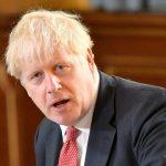 جونسون يحث البريطانيين على مواصلة العمل من المنزل