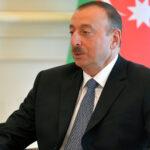 رئيس أذربيجان وزوجته يزوران المناطق التي استعيدت من الأرمن