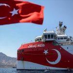 سفينة التنقيب التركية أوروتش رئيس تعود قرب الساحل الجنوبي