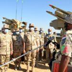 رئيس الأركان المصري يشيد بالاستعداد القتالي لرجال الجيش الثالث