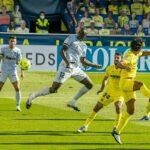 فياريال يتغلب على فالنسيا ويصعد لقمة الدوري الإسباني مؤقتًا