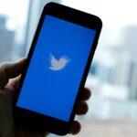 أسهم تويتر تهوي 8% في ألمانيا بعد تعليق حساب ترامب