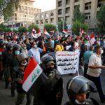 عراقيون يتجمعون في بغداد إحياء لذكرى الاحتجاجات المناهضة للحكومة