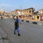 نيجيريا.. فرض حظر التجول في لاجوس بعد إطلاق النار على محتجين