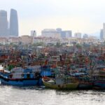 الإعصار مولاف يضرب ساحل فيتنام.. وفقدان 26 صيادا