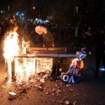 فرض حظر التجول في فيلادلفيا الأمريكية مع تصاعد الاحتجاجات