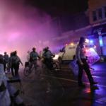 احتجاجات عنيفة في فيلادلفيا بعد مقتل رجل أسود برصاص الشرطة