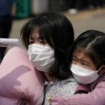 كوريا الجنوبية تسجل 869 إصابة جديدة بكورونا