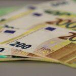 اليورو عند أدنى مستوى في 7 أسابيع مع توقعات قاتمة وتراجع الين