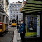 البرتغال تحظر السفر الداخلي وتغلق المدارس قرب عطلتين