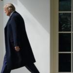 لماذا يّصر الديموقراطيون على عزل ترامب قبل انتهاء ولايته؟