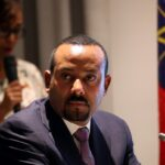 رئيس وزراء إثيوبيا يتباهى بالنصر.. لكن زعيم تيجراي يقول الحرب لم تنته