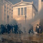 الشرطة اليونانية تطلق الغاز المسيل للدموع على محتجين في ذكرى ثورة طلابية