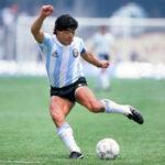 وفاة أسطورة كرة القدم الأرجنتيني دييجو ماردونا