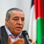 مسؤول فلسطيني يطالب إسرائيل بوقف الاعتقال الإداري